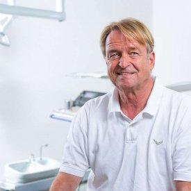 Dr.med. dent. John Bierreth